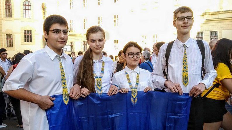 Українські школярі змагаються за перемогу в Міжнародній учнівській олімпіаді з біології