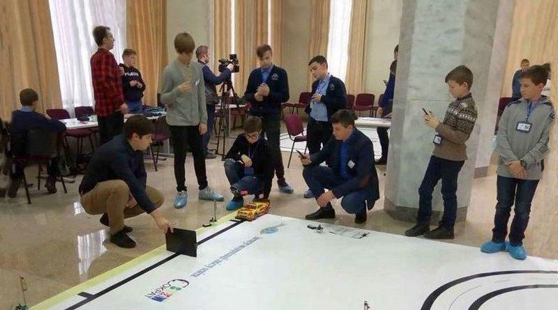 Команда «Smart-choice» Глухівського міського центру позашкільної освіти подолала І етап всеукраїнських змагань «Роботрафік-2020»